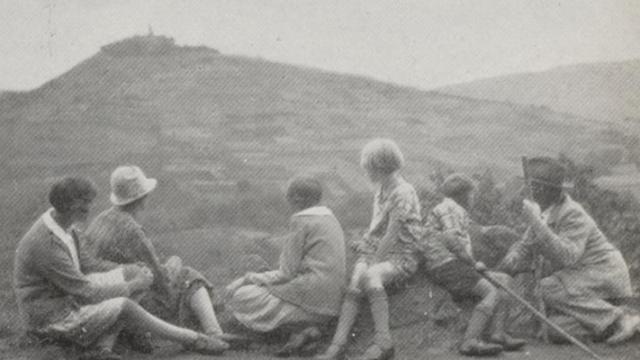 """""""Avondwandeling"""" door H.W. Weselink, uit """"Mooie vacantie-foto's"""", 1933"""
